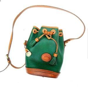 💚 Vintage Dooney & Bourke AWL Green Bucket Bag 💚